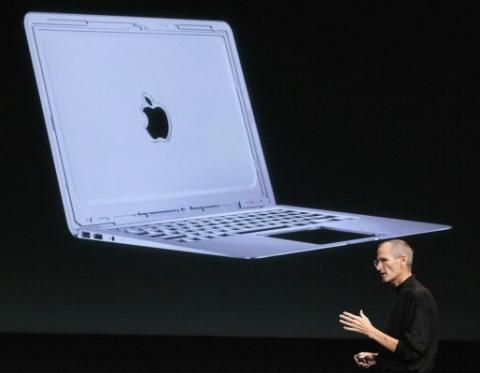 Jobs e o MacBook Air: bateria dura mais